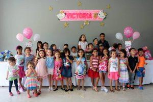 Amiguitos y familiares de Victoria Fernández. - Fabián Hernández /GENTE DE CAÑAVERAL