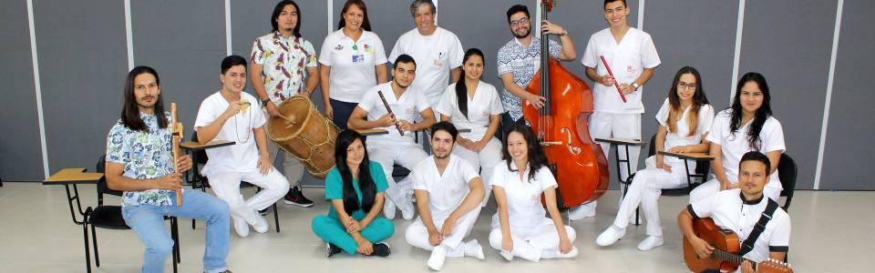Música lidera terapia relajante en la UCI de la Foscal