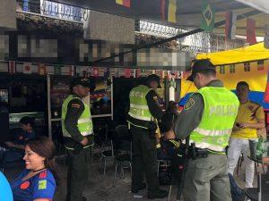 La Policía realiza requisas dentro de los establecimientos comerciales, con el fin de garantizar la seguridad de los ciudadanos.  - Suministrada/GENTE DE CAÑAVERAL