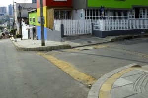 Los afectados esperan que antes de entregar la obra se ejecuten los arreglos necesarios a la vías.  - César Flórez/GENTE DE CAÑAVERAL