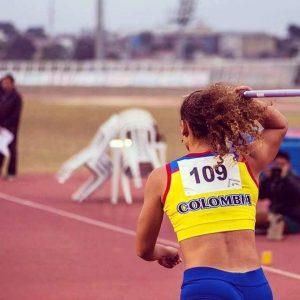 Lanzamiento de jabalina es la modalidad en la que se destaca esta deportista santandereana.   - Suministrada/GENTE DE CAÑAVERAL