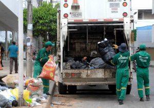 Los operarios de las empresas de aseo recogerán los residuos sólidos en la noche.  - Archivo/GENTE DE CAÑAVERAL