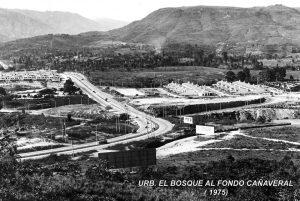 Esta es una fotografía de 1975 en la que se pueden ver 'Las Casas del Millón'. - Archivo/GENTE DE CAÑAVERAL