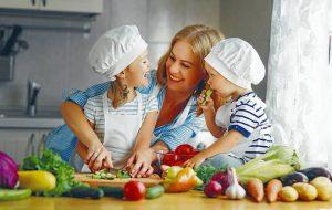 La especialista recomienda evitar el consumo de alimentos procesados altos en azúcares, sodio y grasas saturadas.  - Banco de Imágenes /GENTE DE CAÑAVERAL