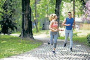 Encontrar la forma de ponerse en contacto con la naturaleza, hacer ejercicio o meditar son actividades positivas que reducen el nivel de estrés y le ayudarán a variar sus actividades monótonas.  - Banco de Imágenes/GENTE DE CAÑAVERAL