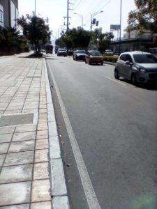 Los taxistas continuamente invaden la paralela del centro comercial Caracolí.  - Suministrada/GENTE DE CAÑAVERAL