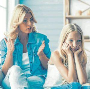 Los hijos educados en familias permisivas presentan muchos problemas a la hora de comunicarse o relacionarse con otras personas, siendo demasiado insistentes y, en ocasiones, algo descontrolados. - Banco de Imágenes / GENTE DE CAÑAVERAL
