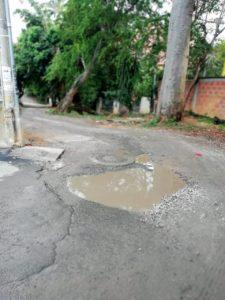 Los residentes de este sector deben transitar por vías llenas de baches y barro.  - Sumunistrada/GENTE DE CAÑAVERAL