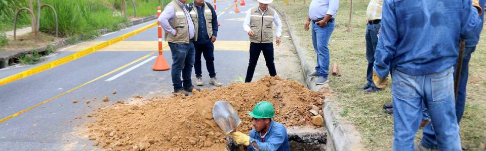 Cierran calzada occidental de la Transversal de El Bosque