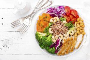 Comer saludable es otra de las recomendaciones de los profesionales de la salud, para prevenir enfermedades. - Banco de Imágenes/ GENTE DE CAÑAVERAL