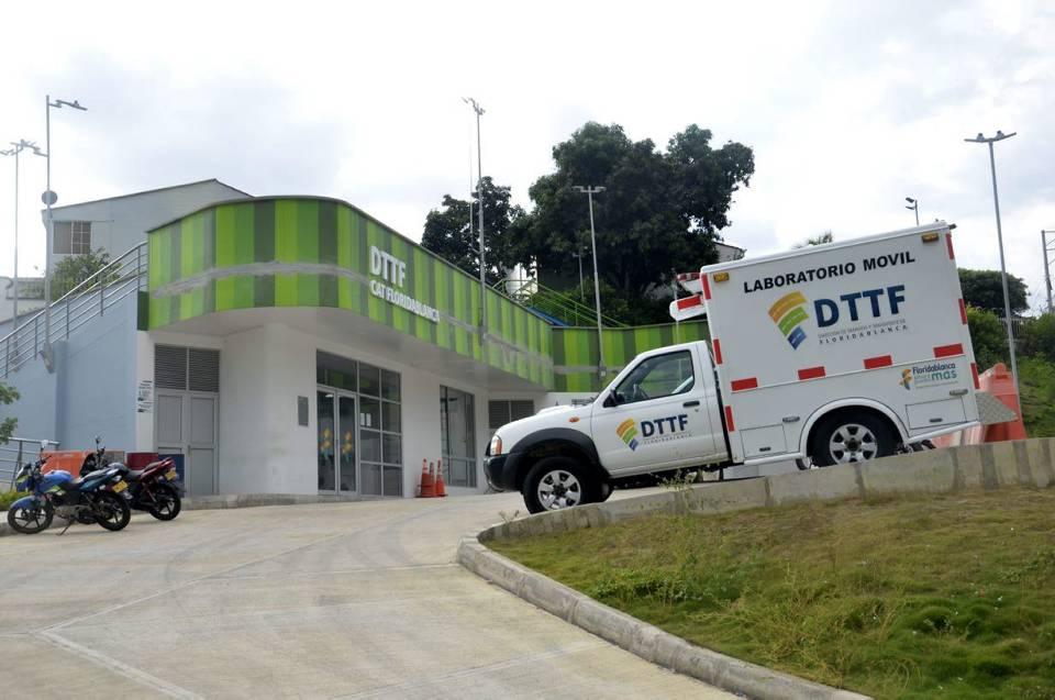Quejas por mal parqueo y accidentes de tránsito serán atendidas en el Centro de Atención de Tránsito de Floridablanca, ubicado en Cañaveral, sobre la autopista. - Fabián Hernández / GENTE DE CAÑAVERAL