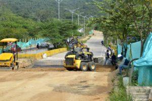 Actualmente se finalizan los rellenos para comenzar la pavimentación de la vía. Los trabajos finalizarán en 15 días. - Fabián Hernández /GENTE DE CAÑAVERAL