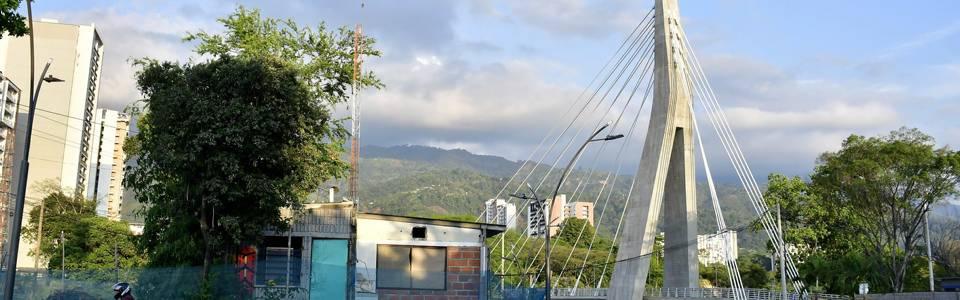 Faltan obras de urbanismo en el intercambiador de Papi quiero Piña