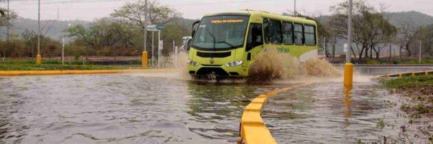 Adelantan trabajos para evitar inundaciones en la glorieta del anillo vial
