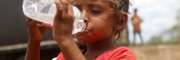 'Aguatón' para calmar la sed de los niños de la Guajira