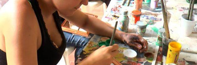 Pintura en cerámica en  la Piedra del Sol